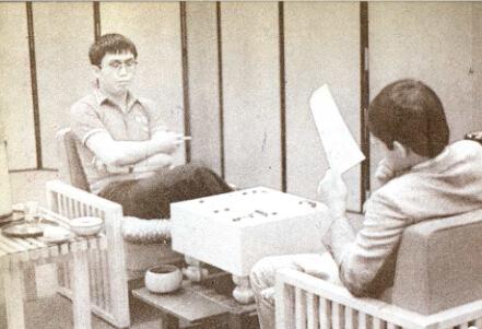 1985年,第一届中日围棋擂台赛聂卫平胜小林光一。